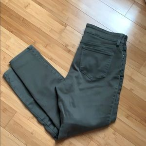 Nydj ami skinny legging. Olive. 8. Liftxtuck. Euc